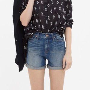 NWOT Madewell high rise denim shorts